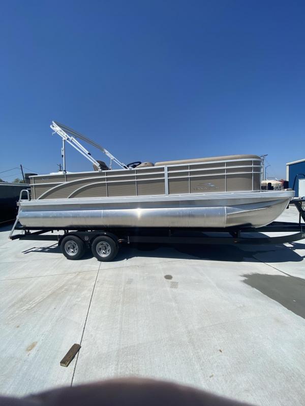 2021 Bennington 22 SS Pontoon Boat