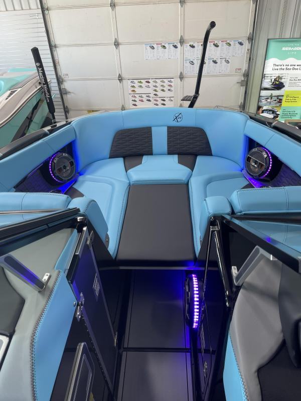 2021 Mastercraft X24 Ski/Wakeboard