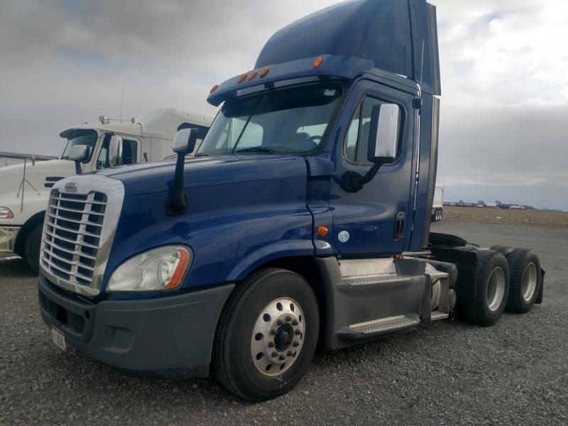 2013 Freightliner Cascadia Semi