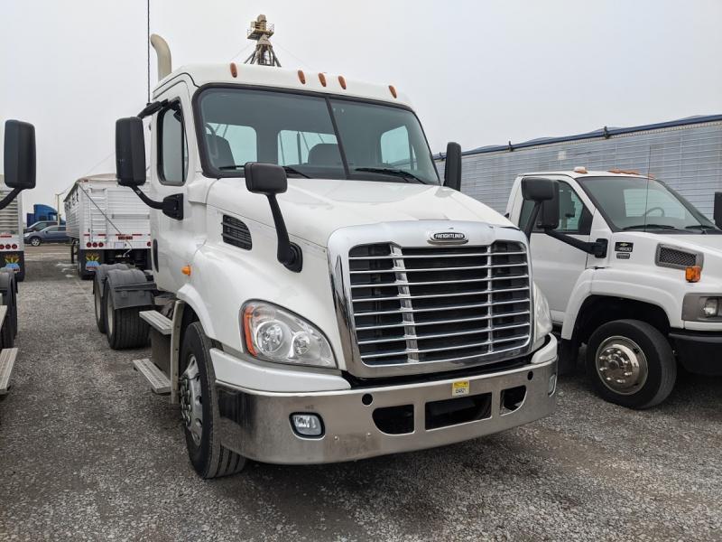 2014 Freightliner Cascadia Semi