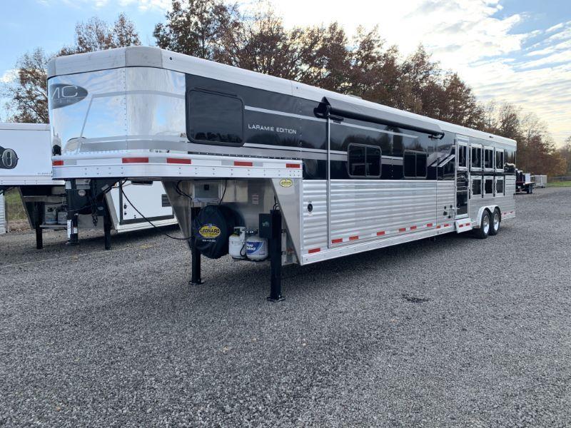 2020 4 HORSE SMC GOOSENECK LIVING QUARTERS HORSE TRAILER