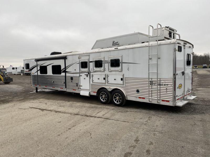 2020  3 HORSE  BISON GOOSENECK WITH LIVING QUARTERS HORSE TRAILER