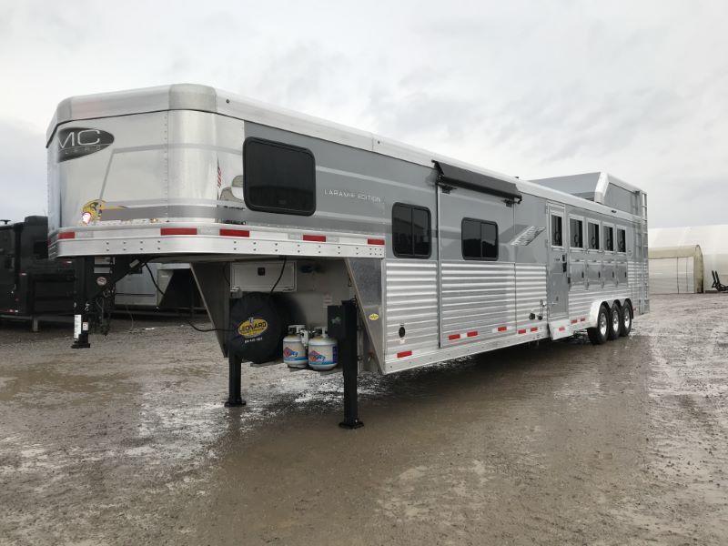 2021  5 HORSE SMC GOOSENECK WITH LIVING QUARTERS HORSE TRAILER