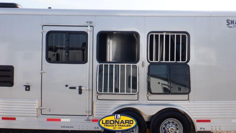 2022  3 HORSE  SHADOW GOOSENECK WITH LIVING QUARTERS