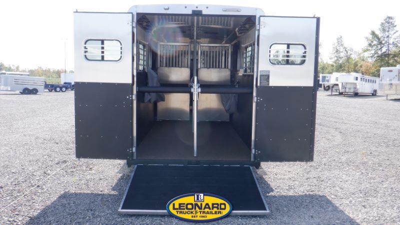 2022  3 HORSE  LOGAN COACH GOOSENECK HORSE TRAILER