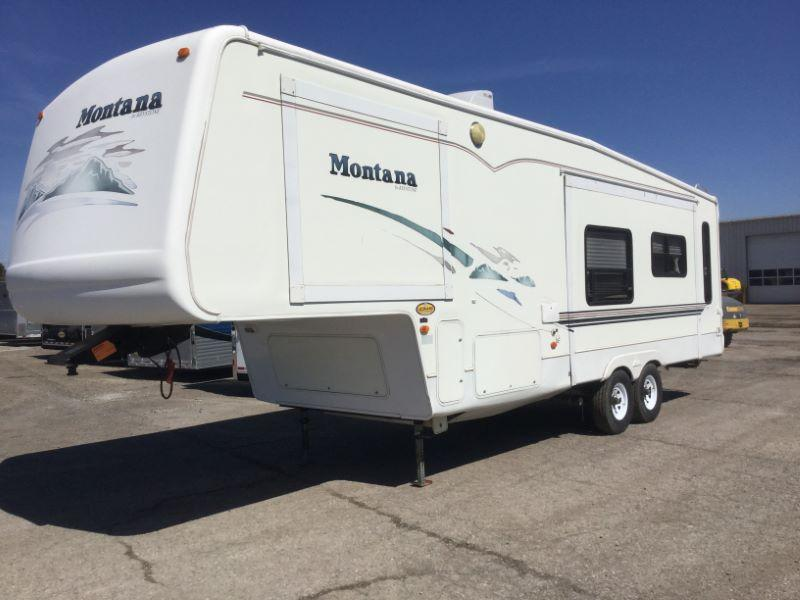 2001 KEYSTONE MONTANA FIFTH WHEEL TRAILER