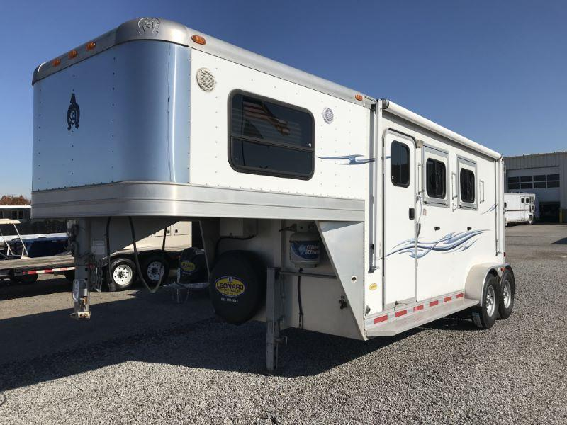 2010  2 HORSE  ADAMS GOOSENECK WITH LIVING QUARTERS HORSE TRAILER