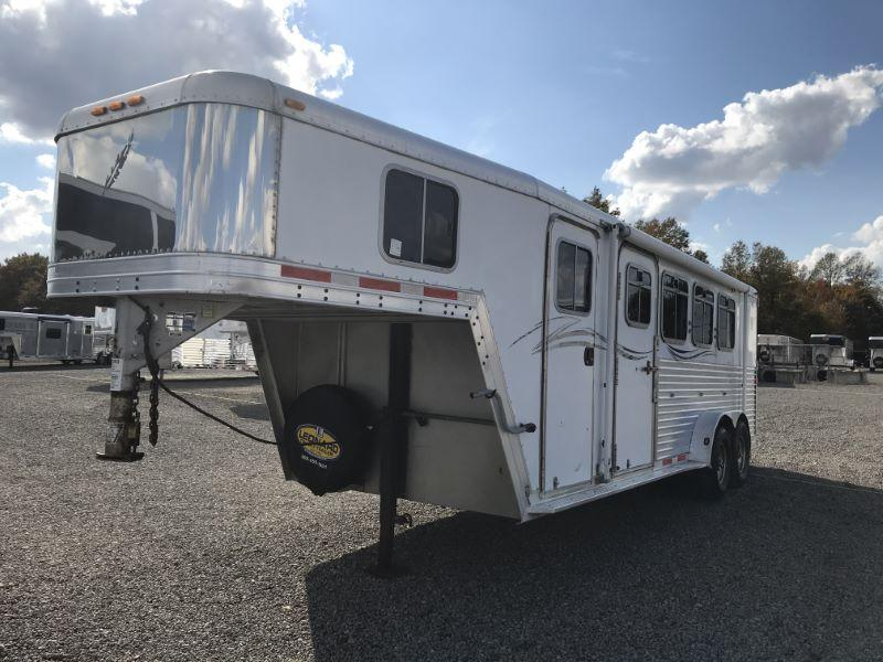 2002  4 HORSE  FEATHERLITE GOOSENECK WITH DRESS HORSE TRAILER