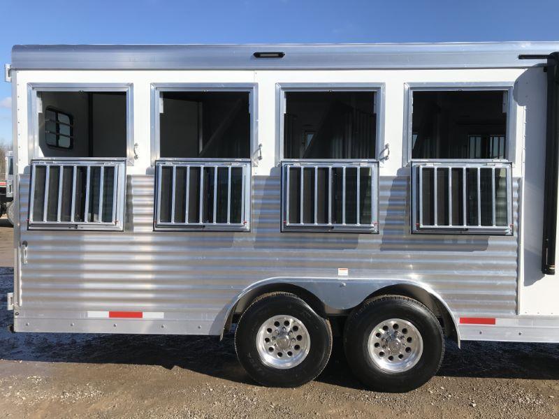 2021  4 HORSE  SMC GOOSENECK WIITH LIVING QUARTERS