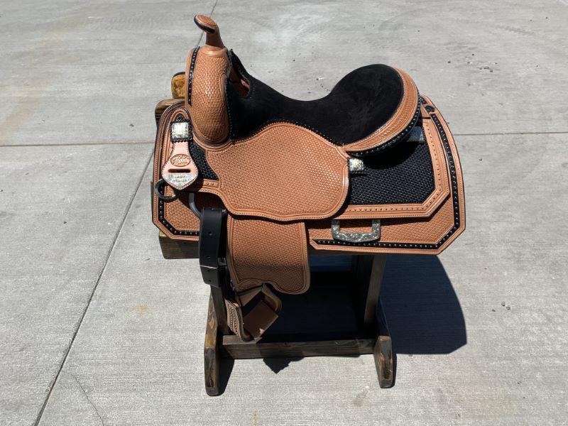NEW BOB'S CUSTOM SADDLES