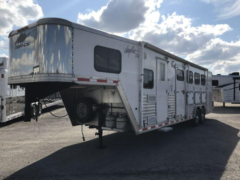 2006  4 HORSE  MERHOW GOOSENECK WITH LIVING QUARTERS HORSE TRAILER