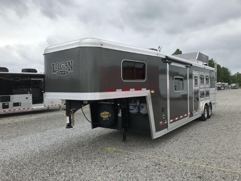 2021 3 HORSE LOGAN COACH GOOSENECK W/LIVING QUARTERS HORSE TRAILER