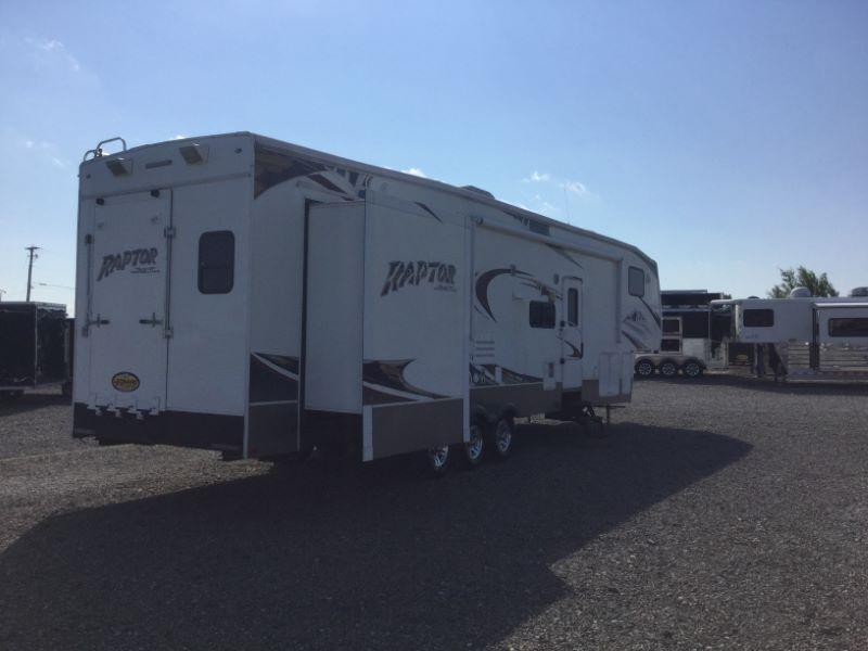2009 KEYSTONE TRAVEL TRAILER