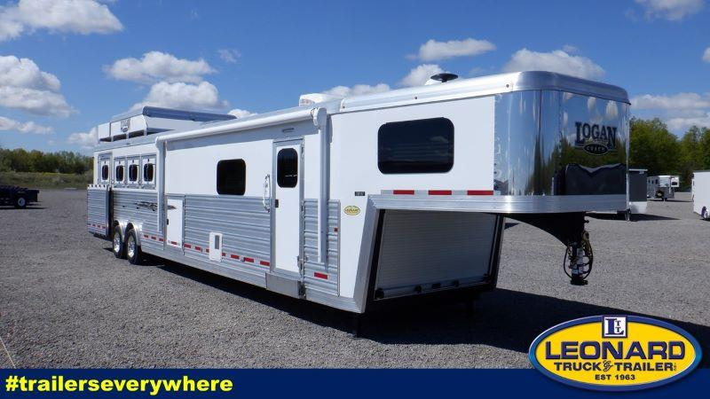 2022 4 HORSE LOGAN COACH GOOSENECK WITH LIVING QUARTERS HORSE TRAILER
