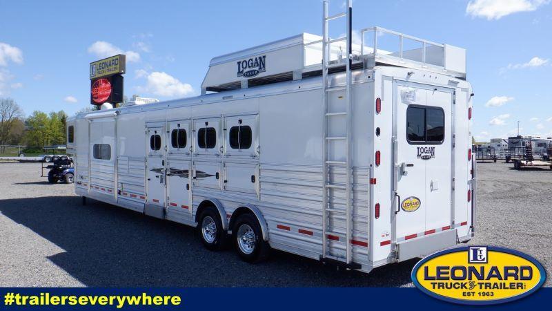 2022 4 HORSE LOGAN COACH GOOSENECK WITH LIVING QUARTERS HORSE TRAILER