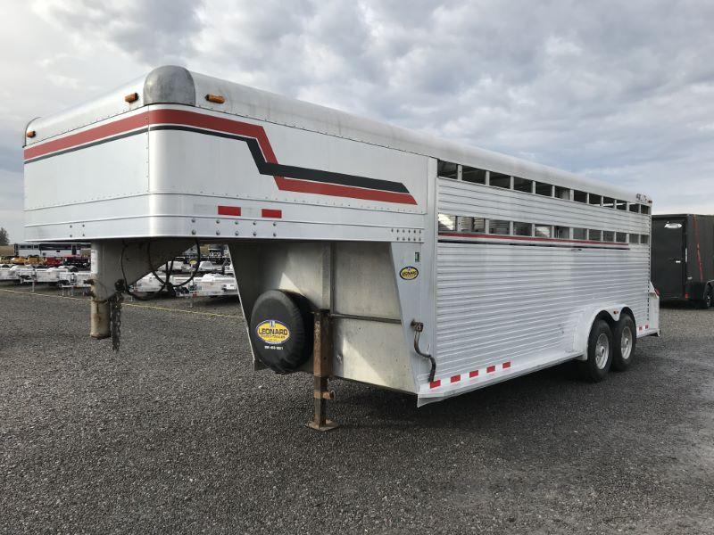 2006  20'  4 STAR GOOSENECK STOCK TRAILER