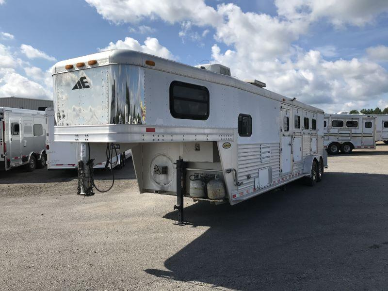 2002  4 HORSE  ELITE GOOSENECK WITH LIVING QUARTERS HORSE TRAILER
