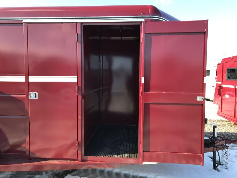 2021  2 HORSE  VALLEY BUMPER PULL HORSE TRAILER