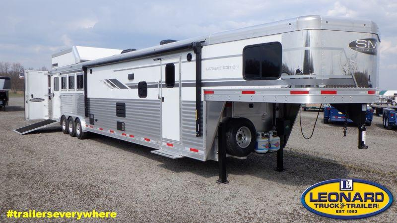 2021  4 HORSE  SMC 4 HORSE GOOSENECK WITH LIVING QUARTERS