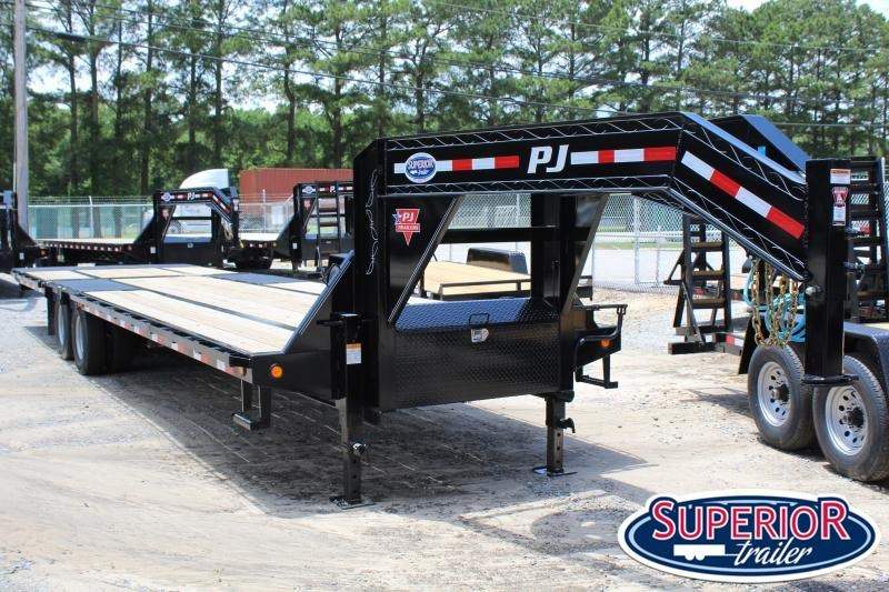 2020 PJ Trailers 34ft LY Low Pro Gooseneck w/Hydraulic Dove
