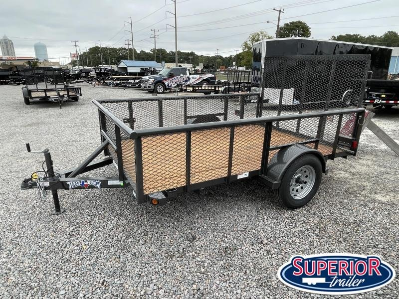 2021 Texas Bragg 6x10P w/ 2ft Expanded Metal Sides & Gate