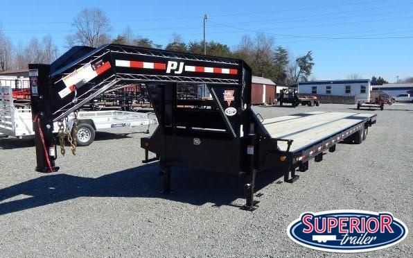 2019 PJ Trailers 40 Low Pro w/ 12K AIR RIDE Axles and 8' Slide In Ramps