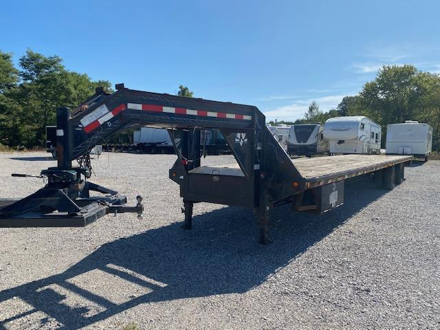 2005 PJ Trailers GN402 102 Wide X 40FT long Equipment Trailer