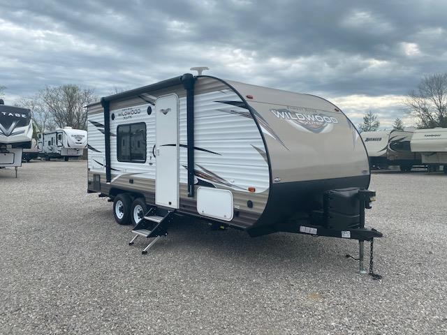 2019 Forest River Wildwood X-Lite 171RBXL Travel Trailer