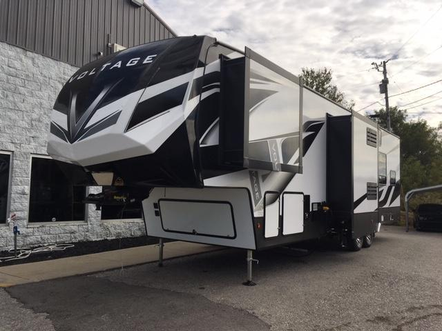 2020 Dutchman Mfg Voltage VT3551 Toy Hauler RV