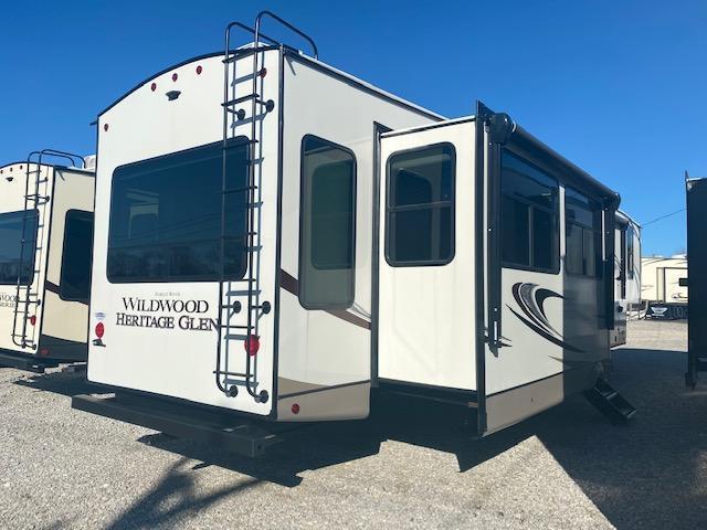 2021 Forest River, Inc. Heritage Glen 369BL Fifth Wheel Campers RV