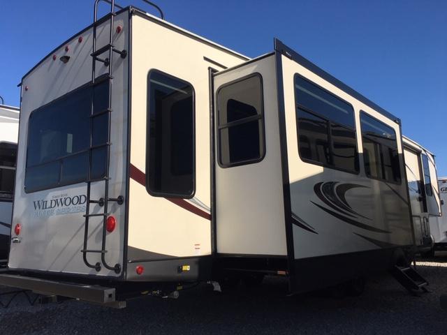 2020 Forest River RV Heritage Glen 34RL Fifth Wheel Camper