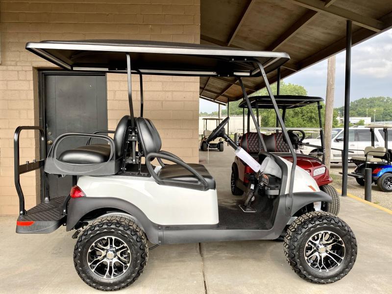 2022 Club Car Villager 4 Lifted Golf Cart