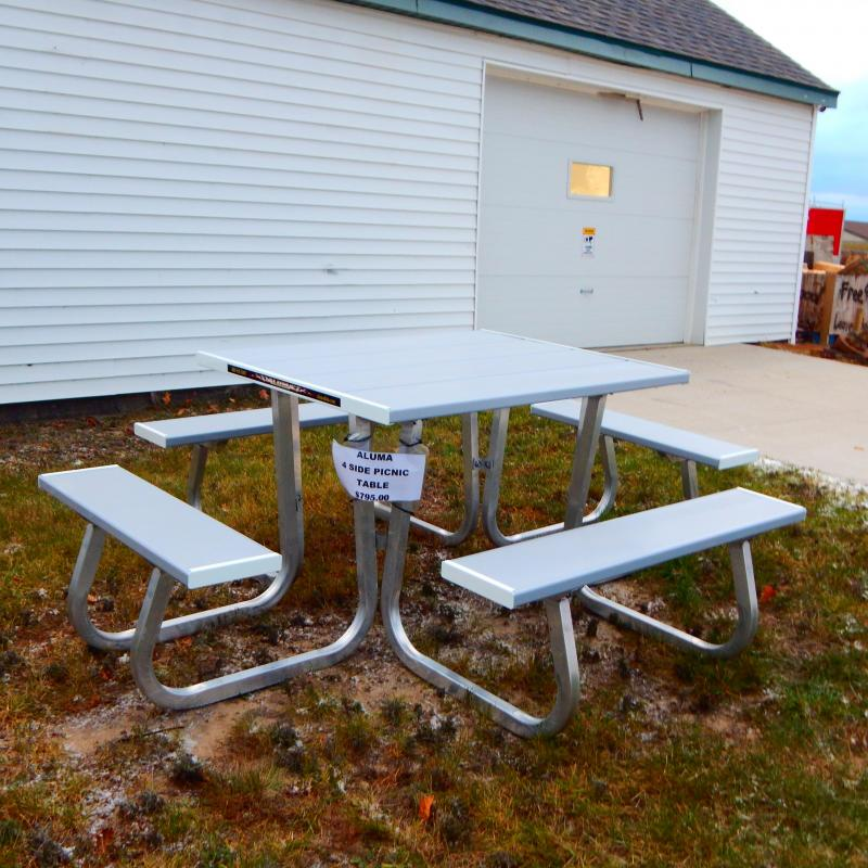 2021 Aluma 4 Place Picnic Table