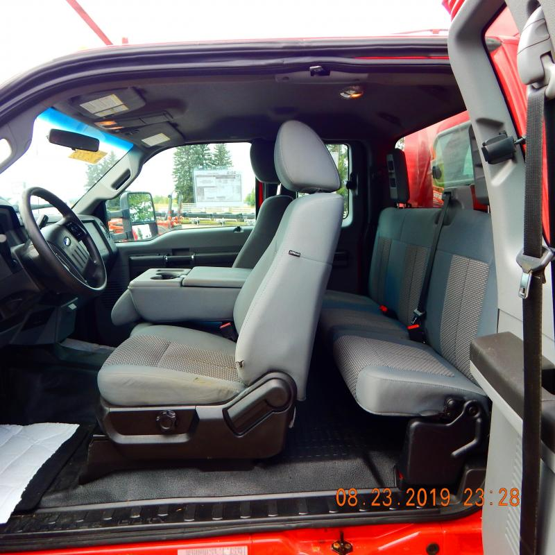 2012 Ford F350 SUPERCAB W/SERVICE BODY