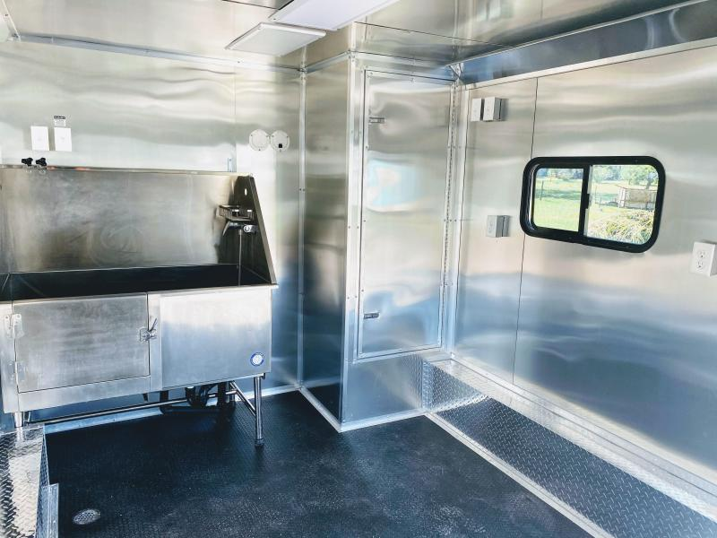 8.5X18TA Texas Mobile Dog Grooming Trailer