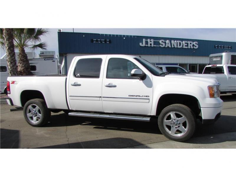 2014 GMC Sierra 2500 HD Crew Cab Denali Pickup 4D 6 1/2 ft