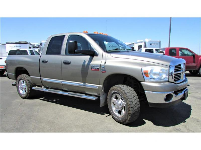 2008 Dodge Ram 3500 Quad Cab ST Pickup 4D 8 ft