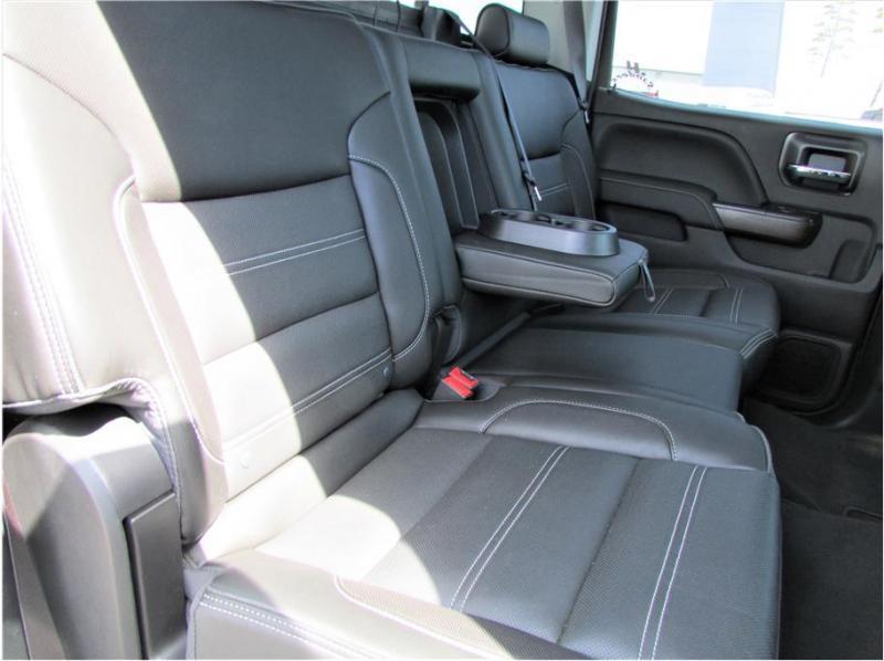 2017 GMC Sierra 3500 HD Crew Cab Denali Pickup 4D 8 ft