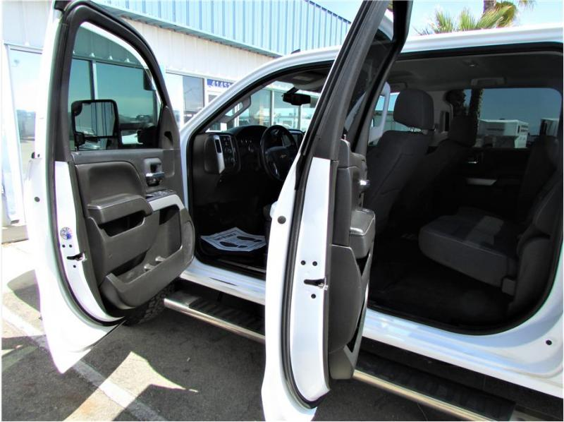 2018 Chevrolet Silverado 2500 HD Crew Cab LT Pickup 4D 6 1/2 ft