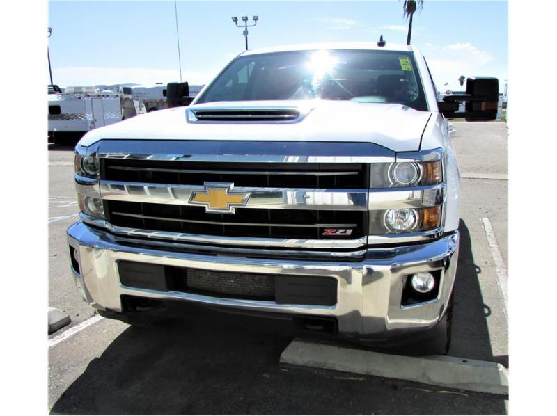 2018 Chevrolet Silverado 2500 HD Crew Cab LT Pickup 4D 6 1/2 ft