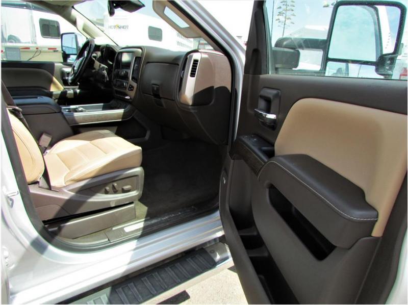 2018 GMC Sierra 3500 HD Crew Cab Denali Pickup 4D 8 ft