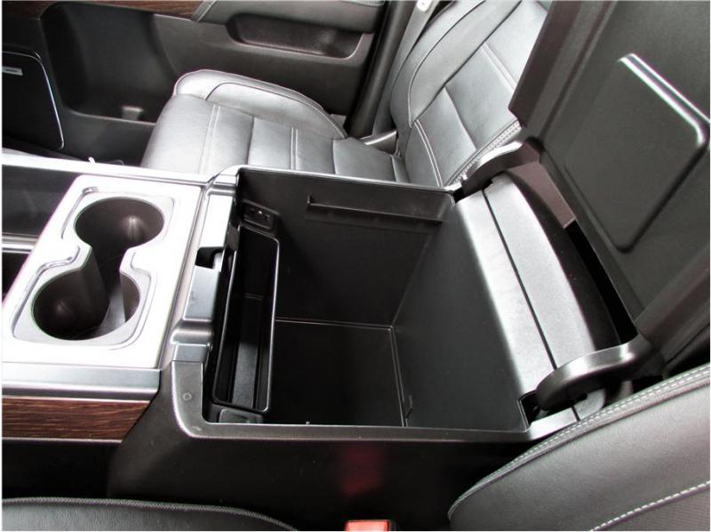 2018 GMC Sierra 3500 HD Crew Cab Denali 4wd 8 ft bed dually rear wheel