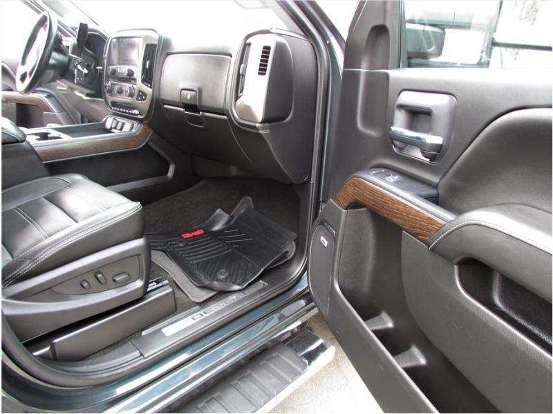 2018 Sierra sierra 3500 hd crew cab denali 4wd 8 ft bed dually rear wheel