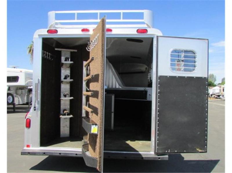 2002 4-Star Trailers outlaw conv 4 horse