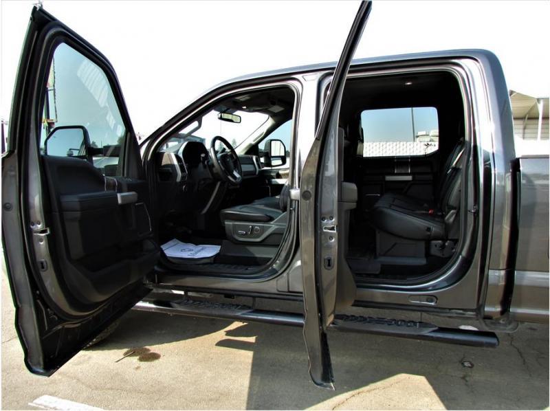 2019 Ford F250 Super Duty Crew Cab Lariat Pickup 4D 6 3/4 ft
