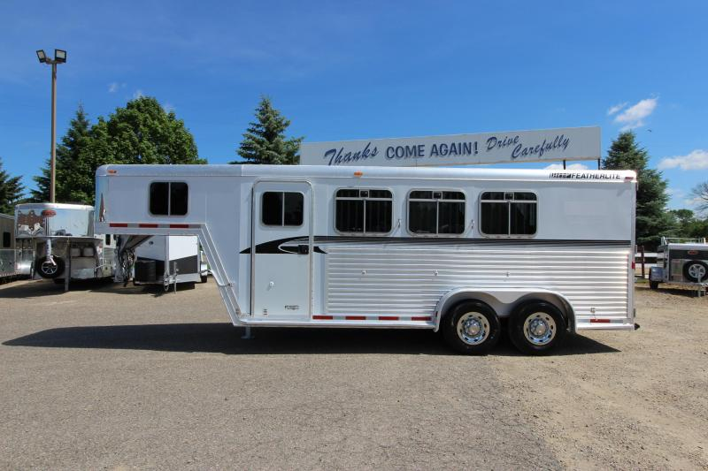 2002 Featherlite 3HR GN Horse Trailer