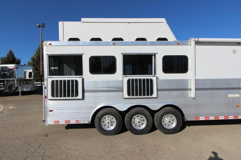 2007 Sundowner Trailers 4HR 14' LQ Horse Trailer
