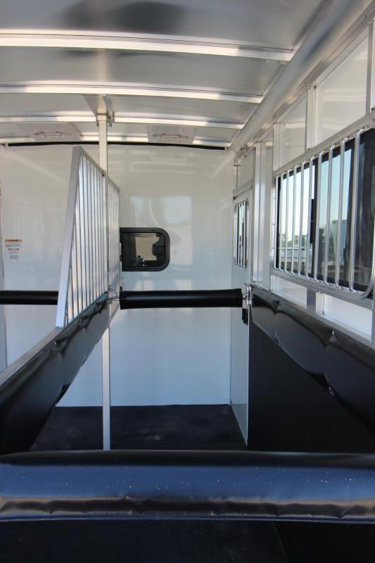 2021 Sundowner Trailers Charter 2HR BP Horse Trailer