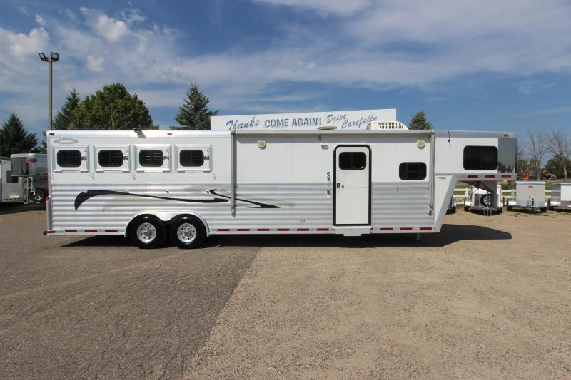 2002 Bloomer 4HR 13' LQ Horse Trailer