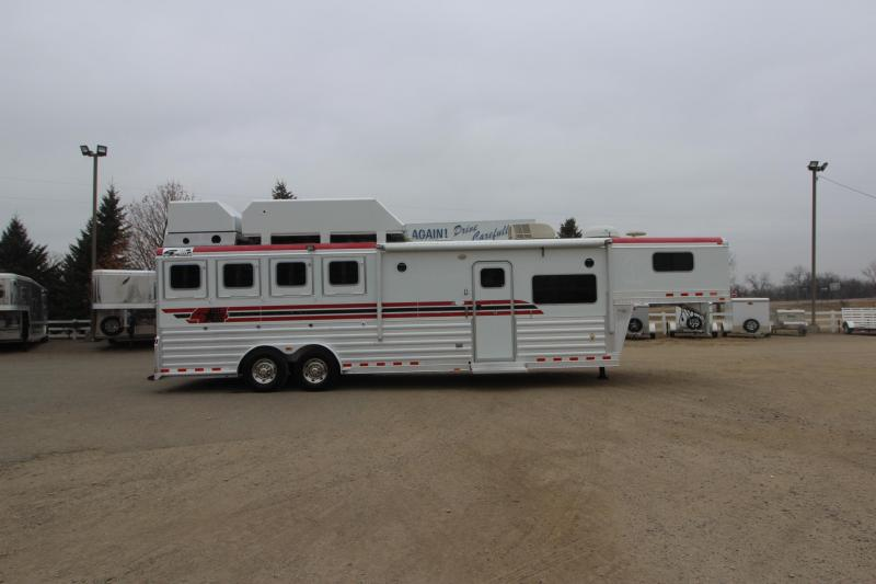 2008 4-Star Trailers 4HR 11' LQ Horse Trailer